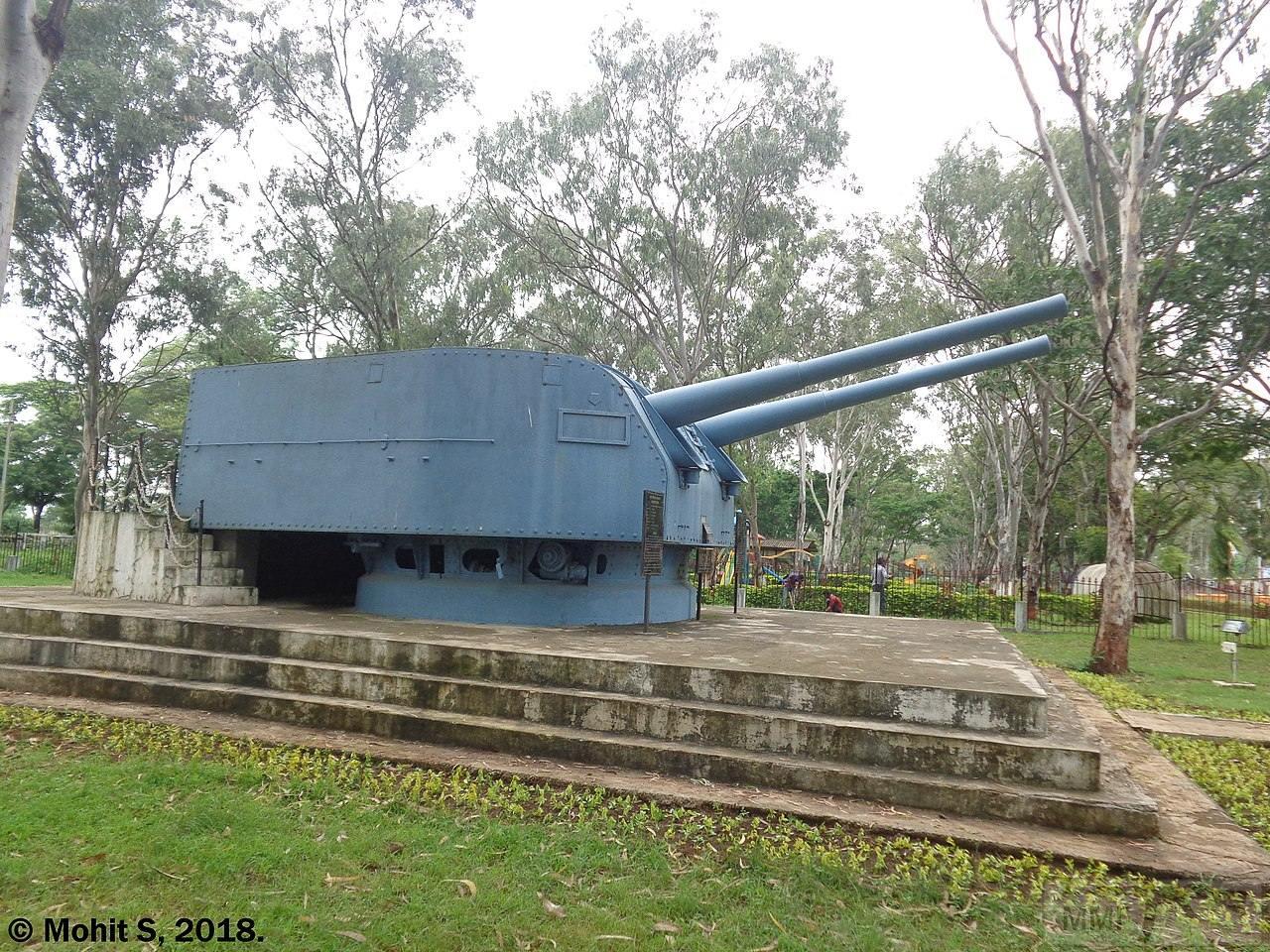 101194 - Корабельные пушки-монстры в музеях и во дворах...
