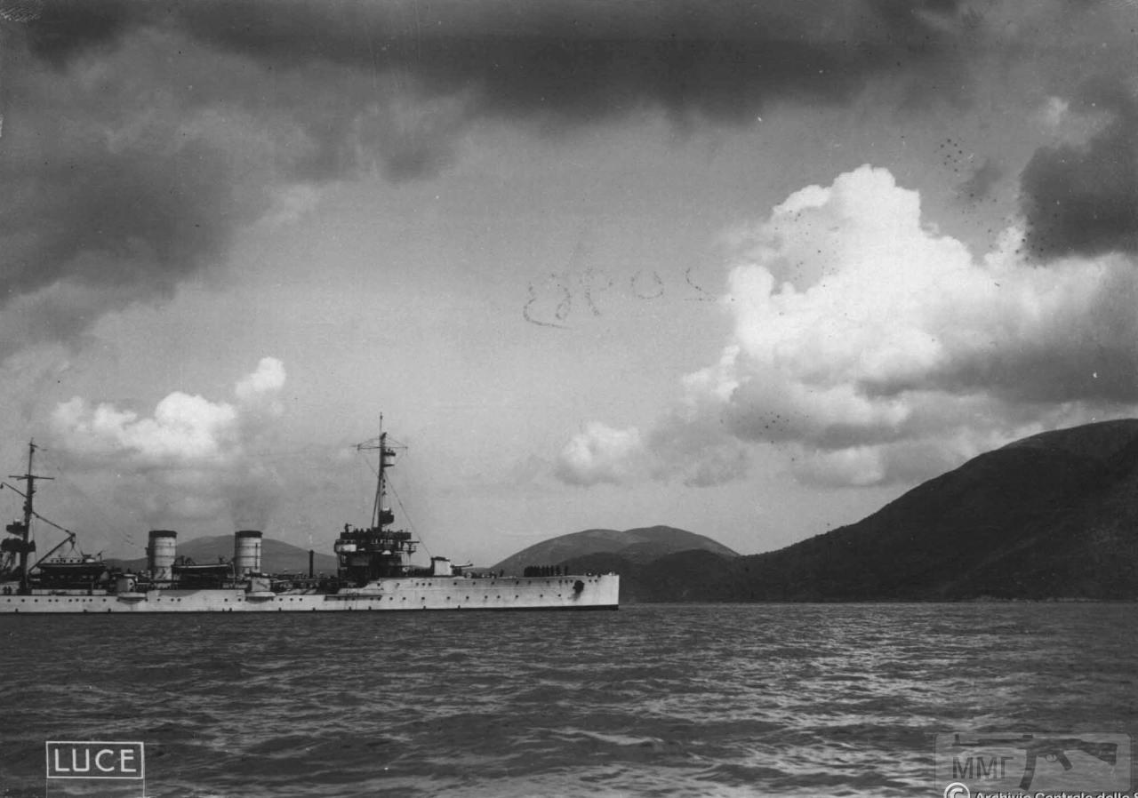 101214 - Легкий крейсер Bari