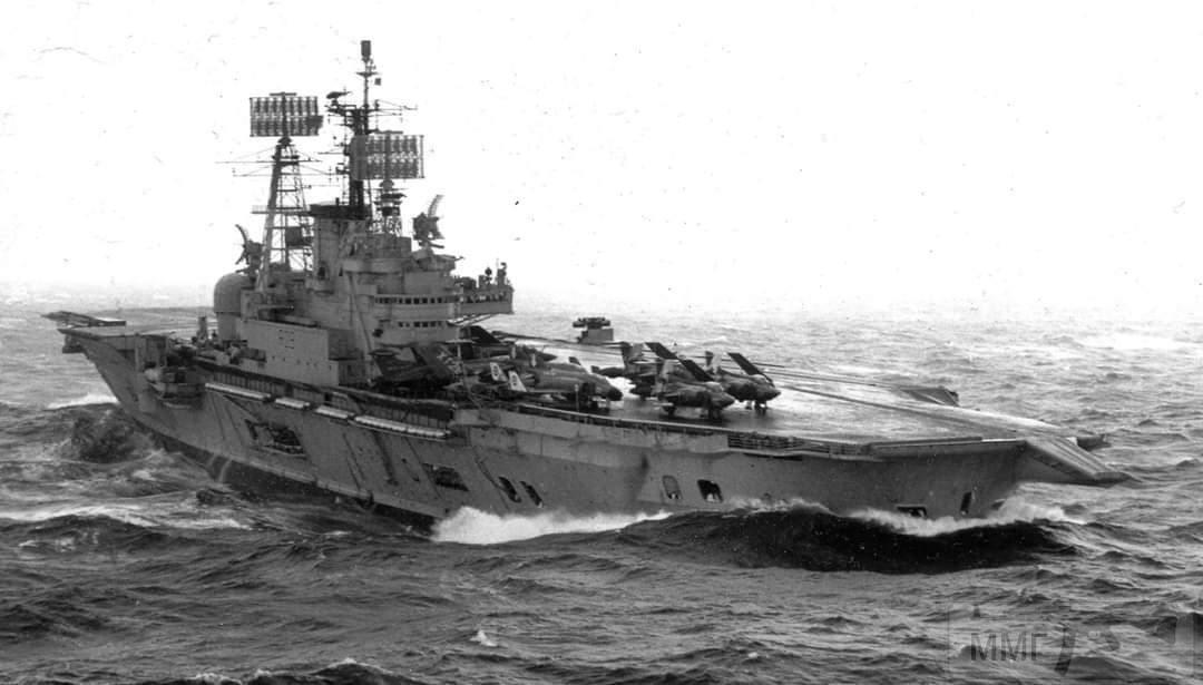 101429 - Два авианосца