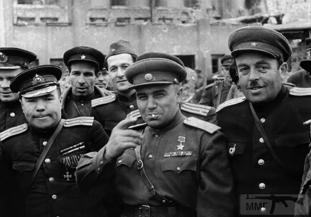 101579 - Русский герой обороны Берлина