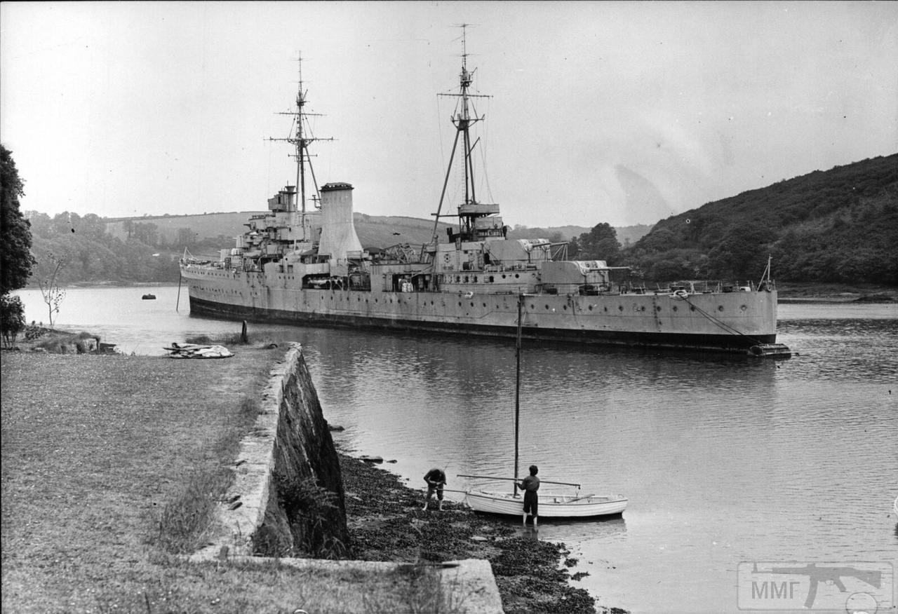 102842 - HMS Ajax