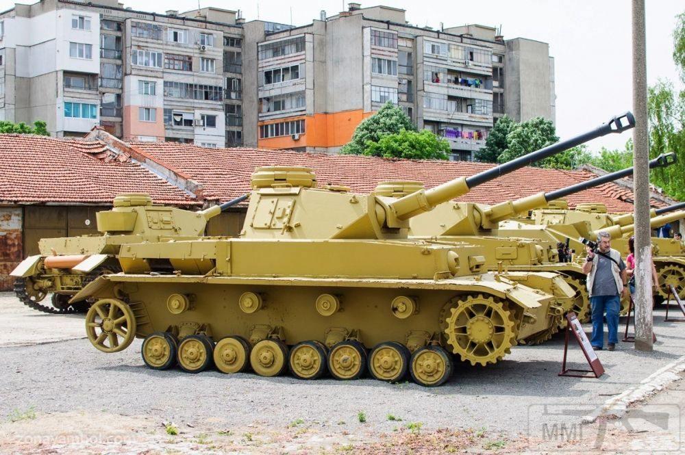 102876 - Танки в Болгарии