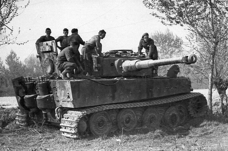 10359 - Achtung Panzer!