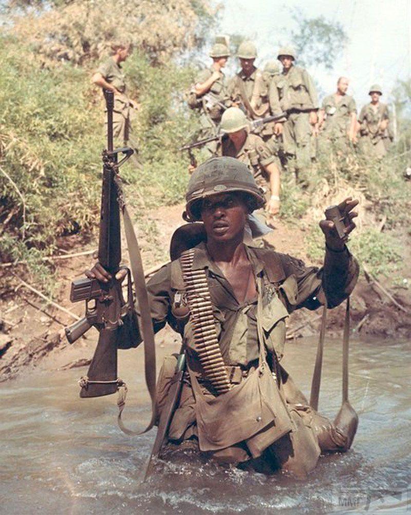 103882 - Семейство Armalite / Colt AR-15 / M16 M16A1 M16A2 M16A3 M16A4
