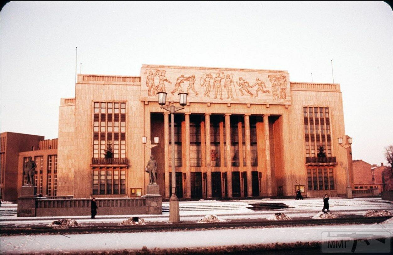 104083 - Короткий ролик - тема о ГДР