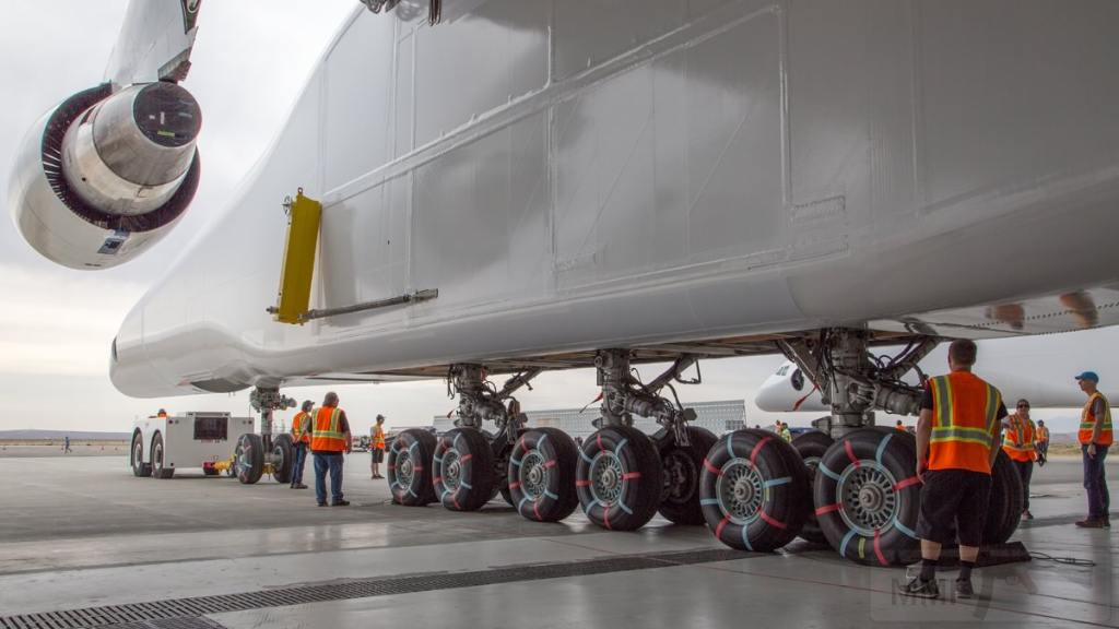 10504 - Самый большой самолет в мире!