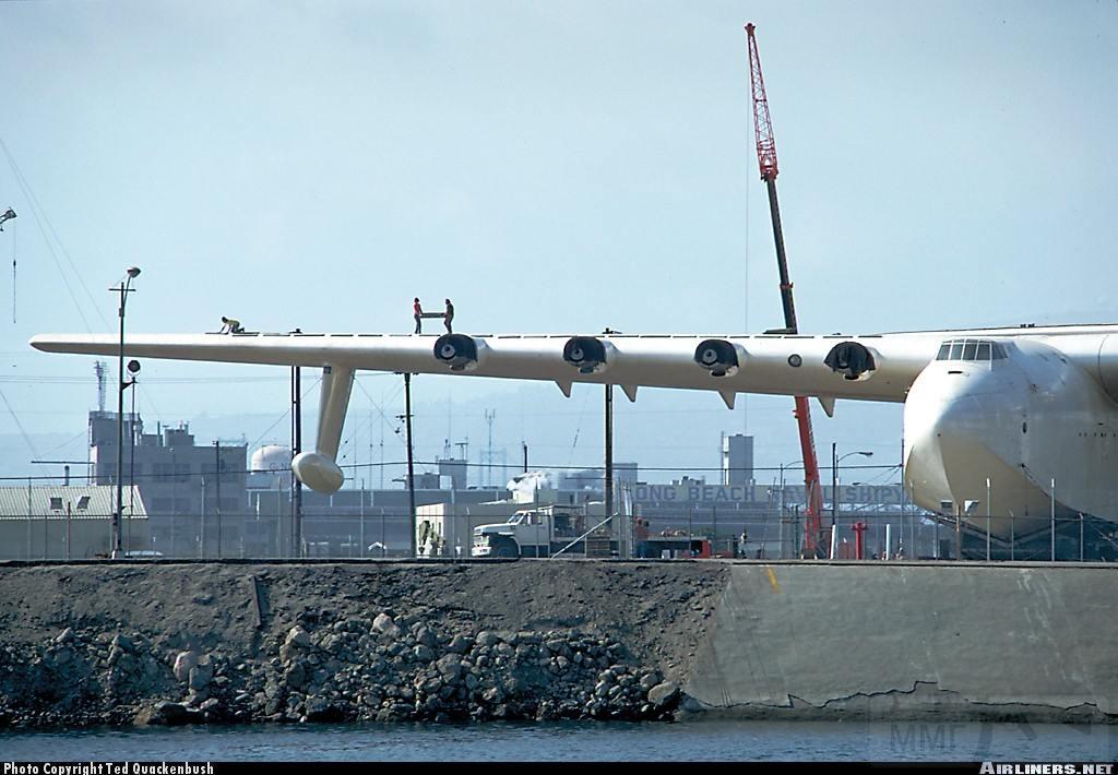 10517 - Самый большой самолет в мире!