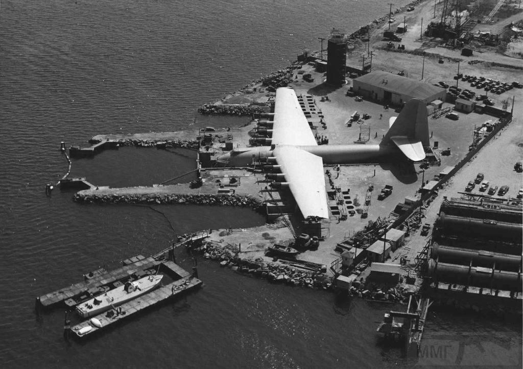10518 - Самый большой самолет в мире!