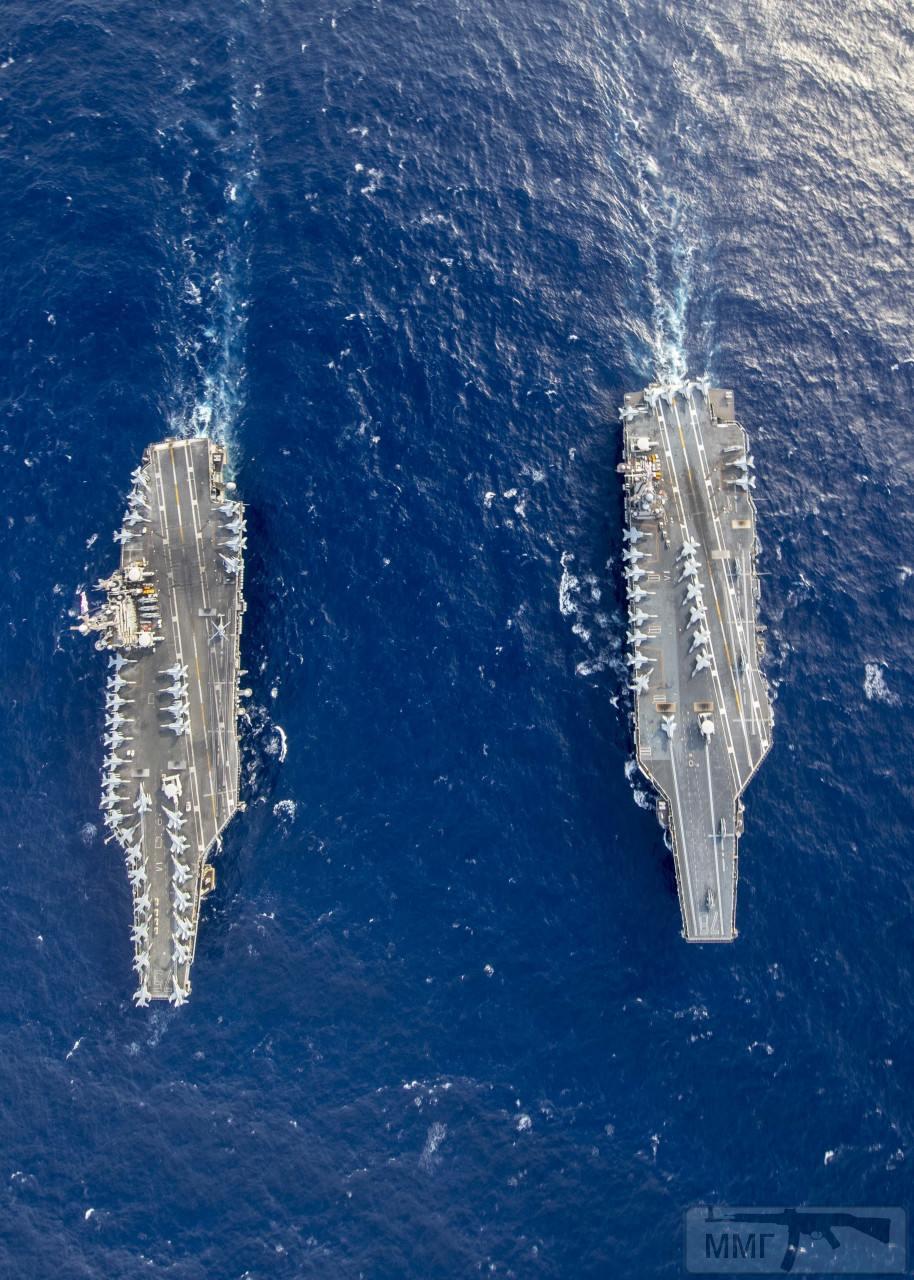 105275 - Два авианосца