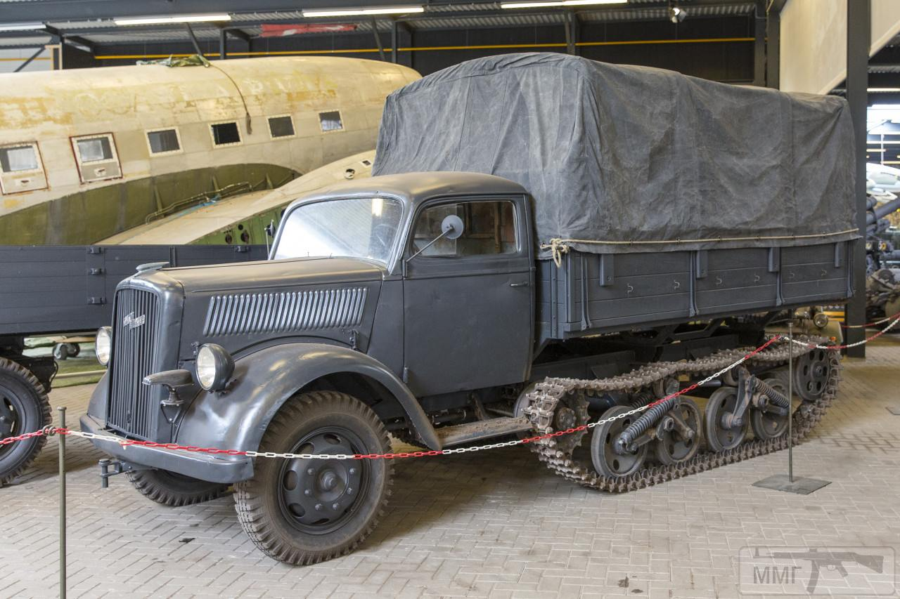 105844 - Грузовые и спец.автомобили Третьего рейха
