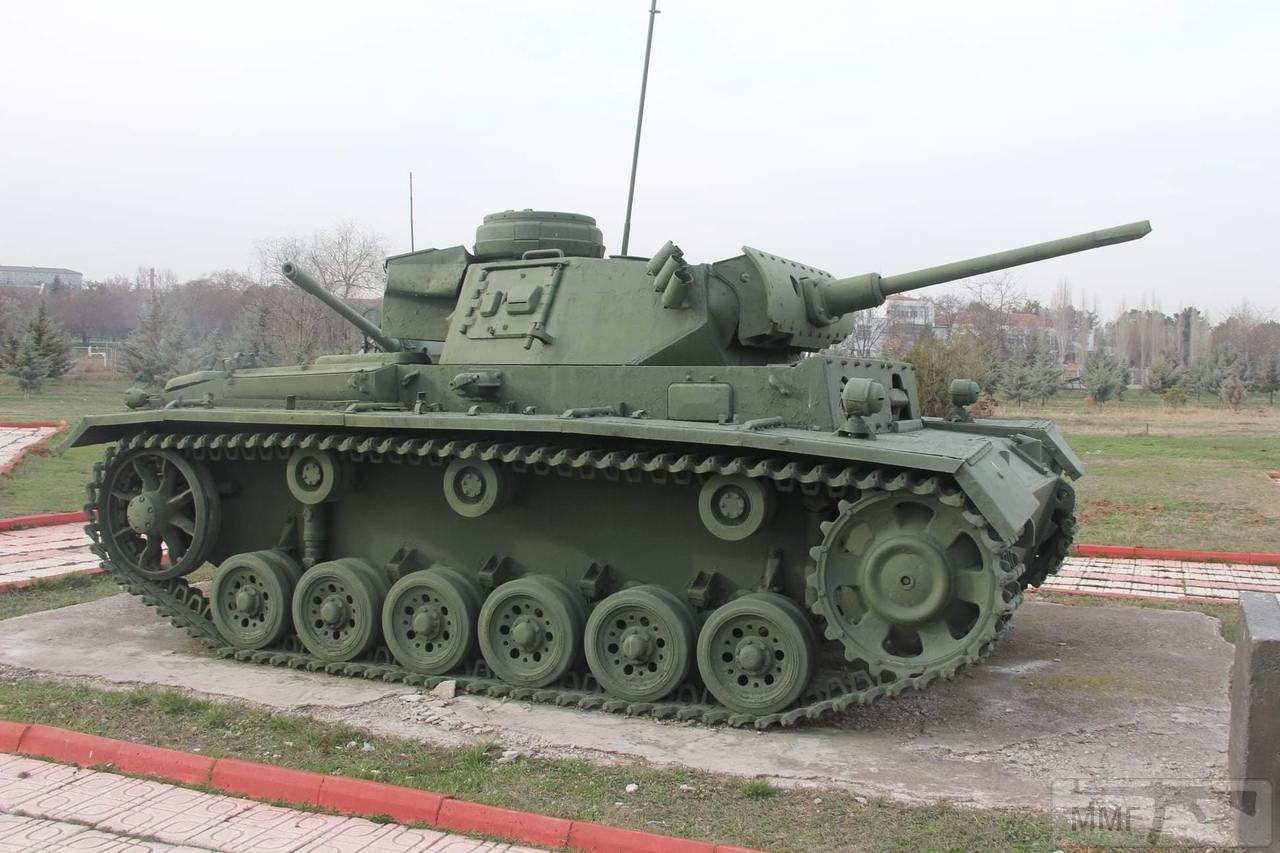 """106038 - Служба немецких """"коробочек"""" после войны..."""