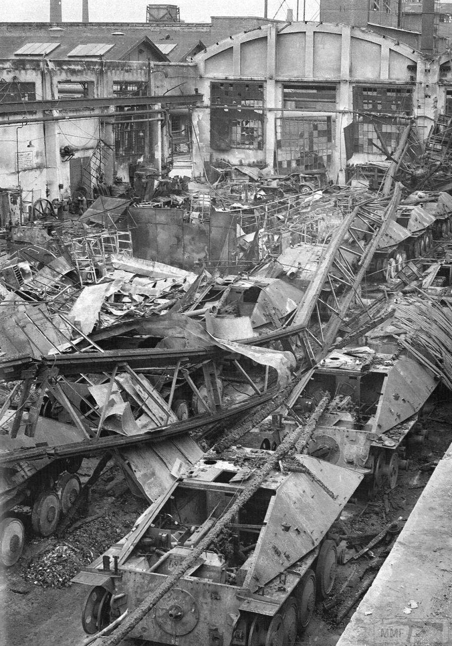106210 - Стратегические бомбардировки Германии и Японии