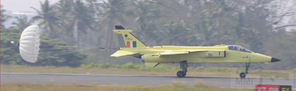 10672 - Первый истребитель-бомбардировщик ВВС Индии Jaguar IS (бортовой номер JS163), модернизированный по программе DARIN III, в первом полете. Бангалор,25.04.2015 (с) aermech.in