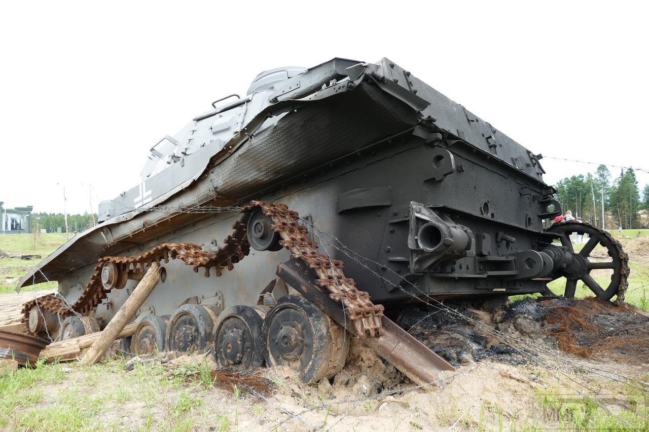 """107412 - Служба немецких """"коробочек"""" после войны..."""