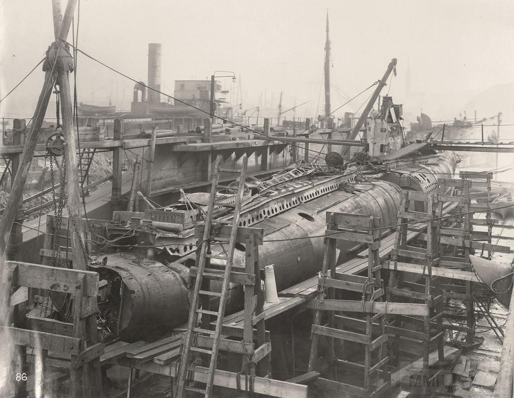 10868 - Волчьи Стаи - Германские подводные лодки двух мировых войн