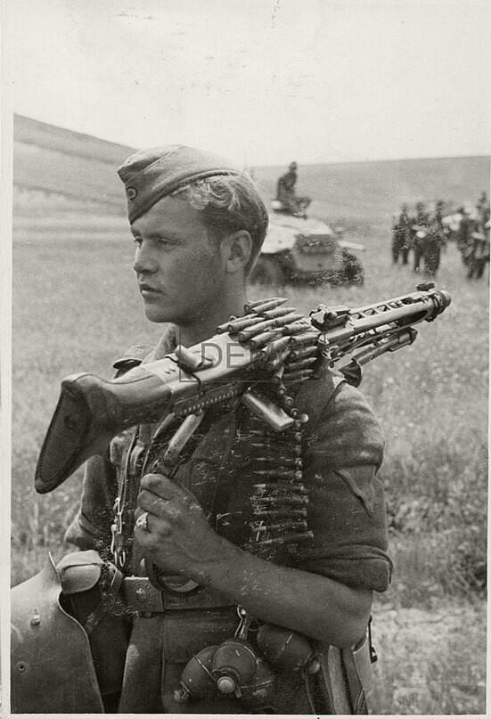 10910 - MG-42 Hitlersäge (Пила Гитлера) - история, послевоенные модификации, клейма...