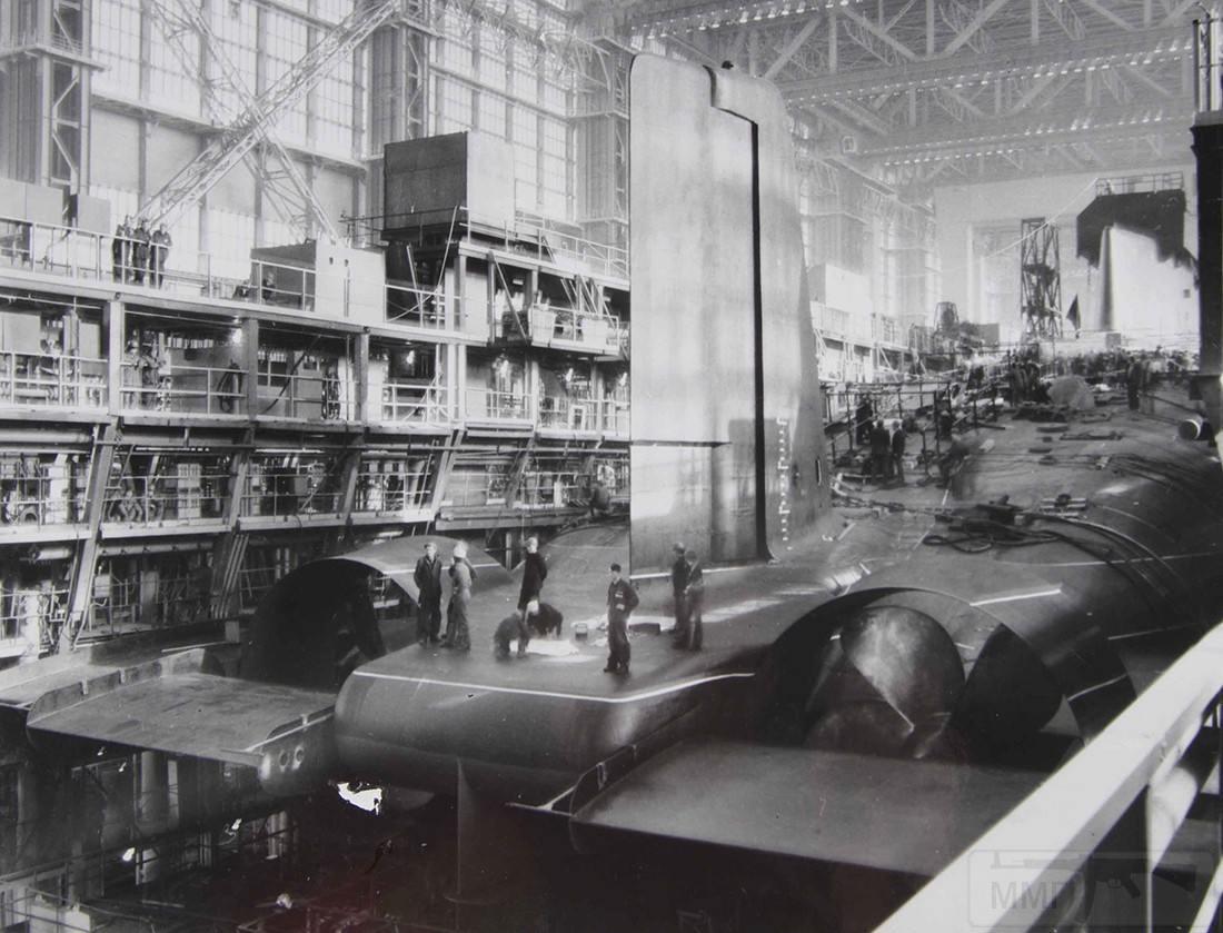 11047 - Атомные субмарины.