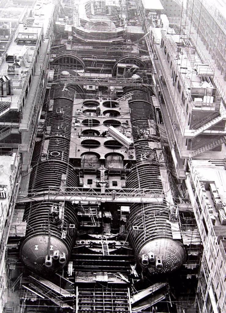 11049 - Атомные субмарины.