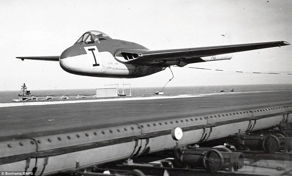 11127 - Два авианосца