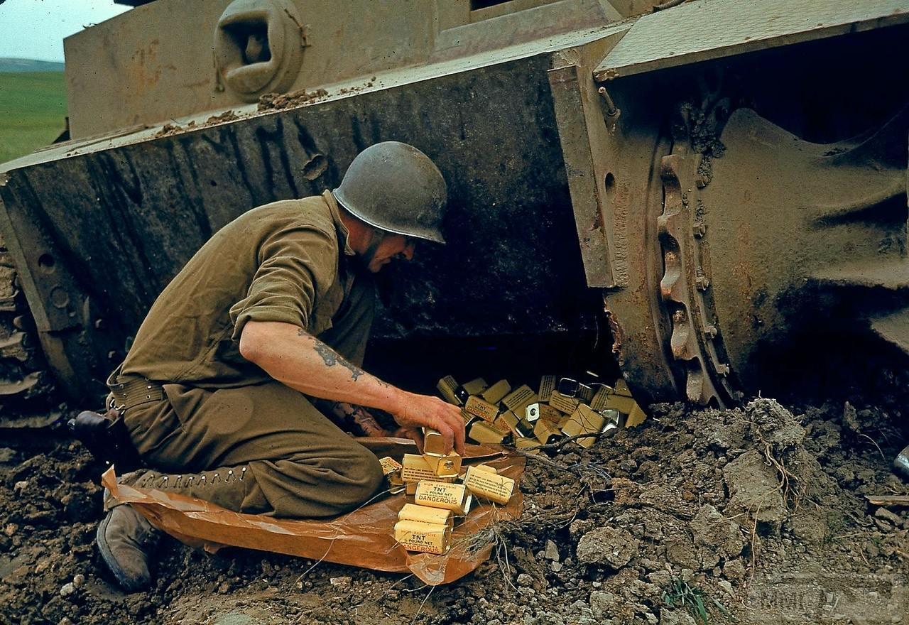 111601 - Achtung Panzer!