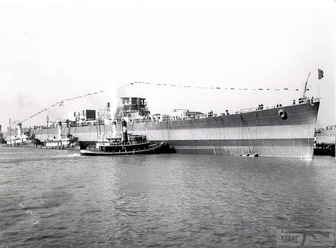 112083 - USS Columbia (CL-56)