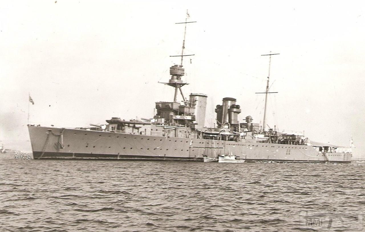 112084 - HMS Hawkins