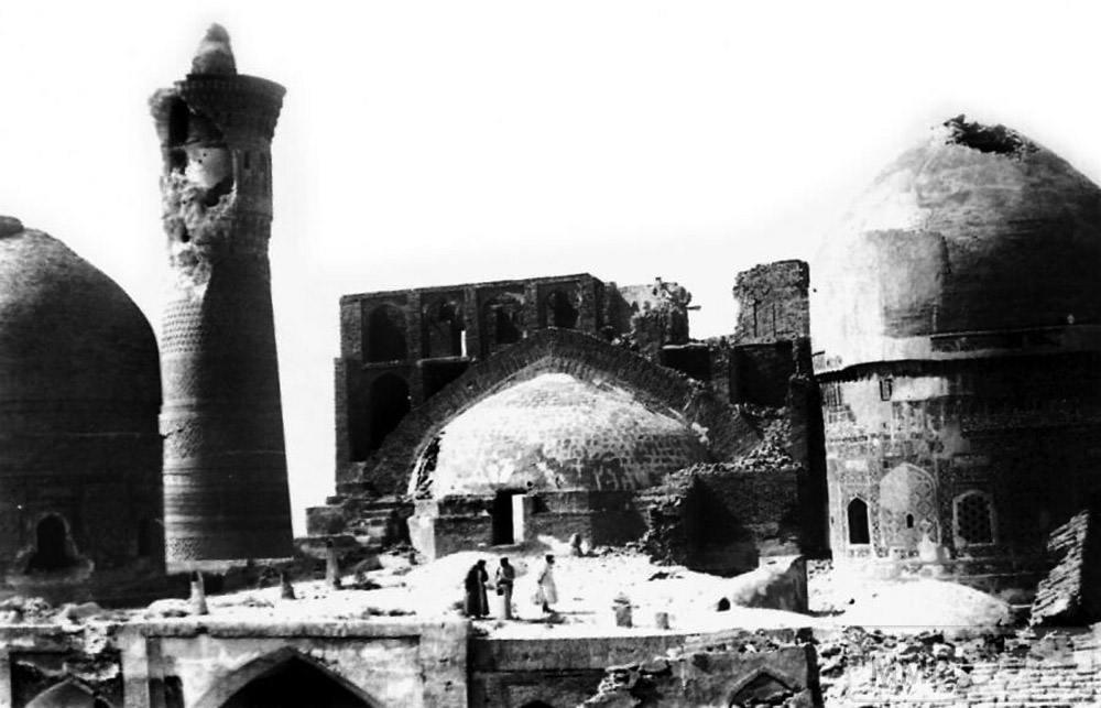 112388 - Бухара, или аэропланы над мечетями
