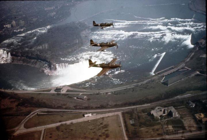 11248 - P-63 Kingcobra с советскими опознавательными знаками в небе над Ниагарским водопадом