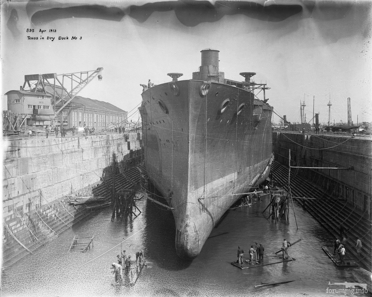 113604 - USS Texas (BB-35) в доке во время постройки, 1913 г.
