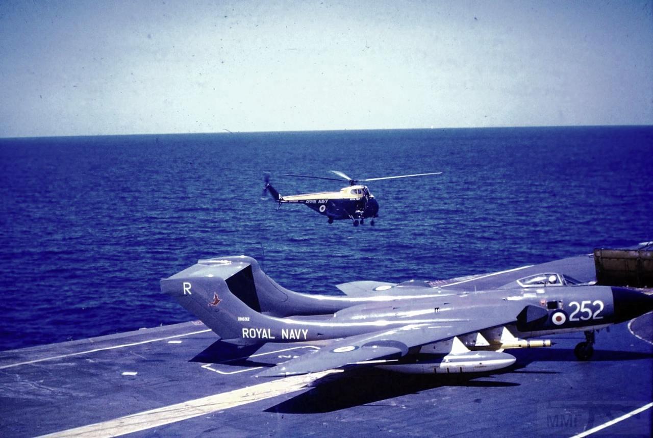 11388 - Два авианосца