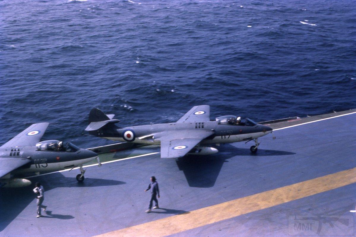 11389 - Два авианосца