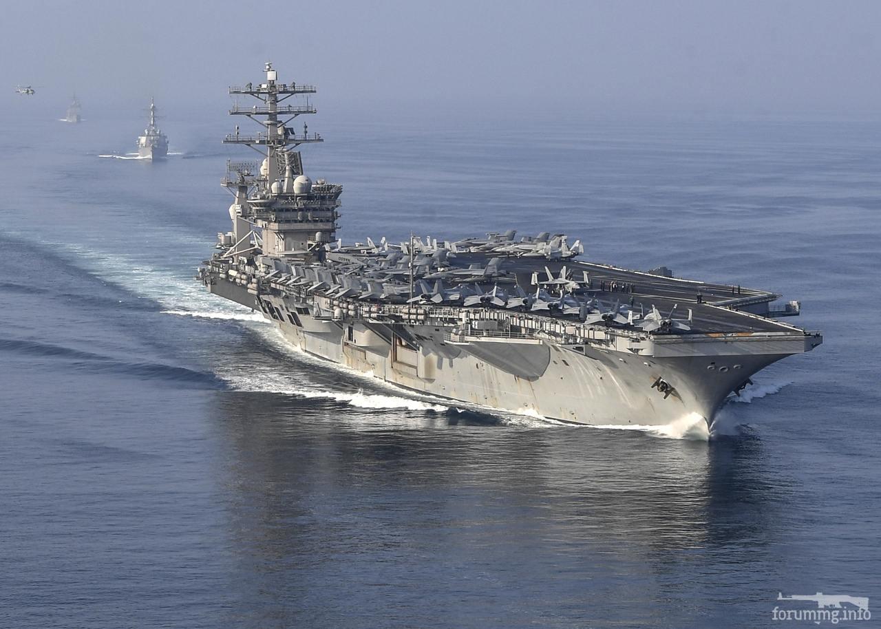 115296 - USS Nimitz (CVN-68) в Ормузском проливе.