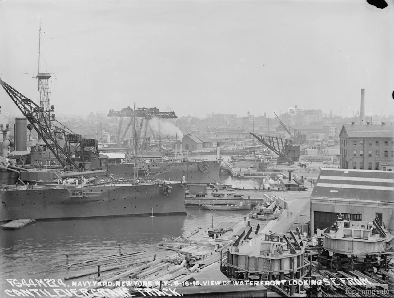117419 - USS Wyoming (BB-32) и USS Arkansas (BB-33) на Бруклинской верфи, 16 июня 1915 г.