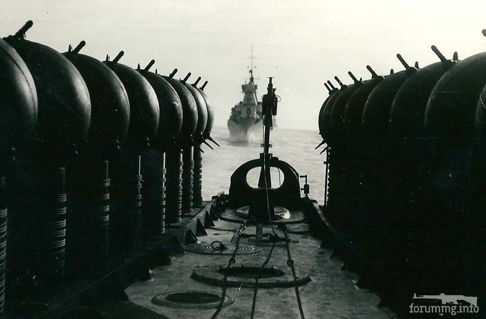"""118044 - """"Рогатая смерть"""" на борту одного из крейсеров 7-й дивизии во время выхода на постановку."""