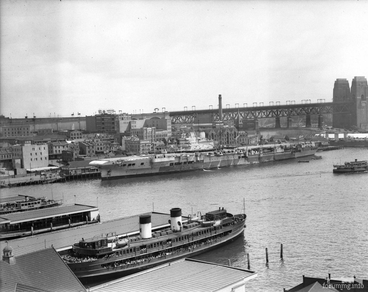 118217 - Авианосец HMS Formidable в Сиднее, октябрь 1945 г.