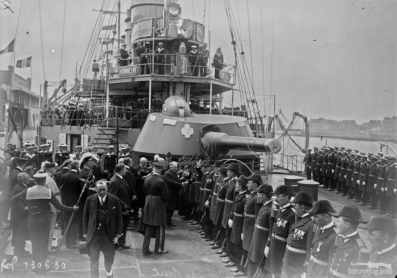 118543 - На палубе броненосного крейсера Jeanne d'Arc во время визита президента Думерга, 3 июля 1928 г.