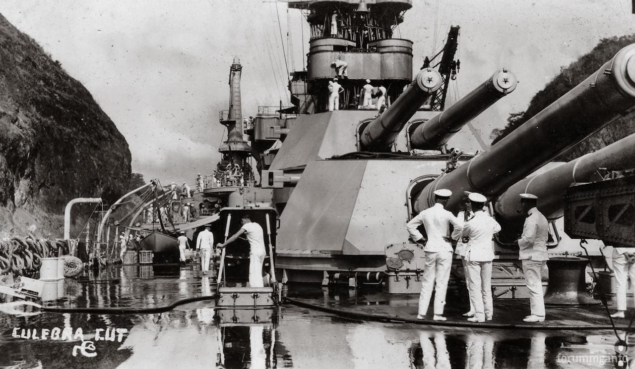 119155 - Линкор USS Colorado (BB-45) проходит Панамским каналом, 1924 г.