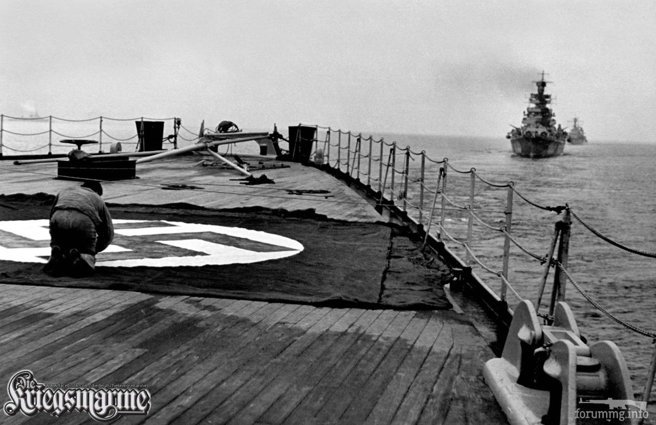 119557 - На корме линкора Tirpitz раскладывают опознавательные знаки, 23 сентября 1941 г.