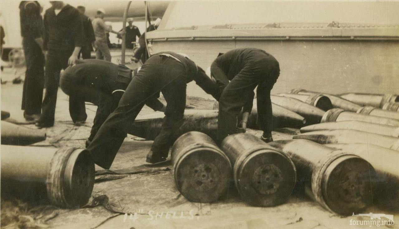 119559 - Погрузка снарядов на линкоре USS Texas (BB-35)