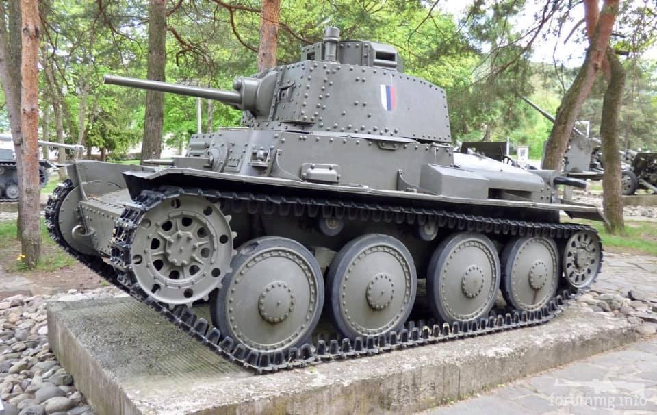 122654 - Танки-памятники в Украине