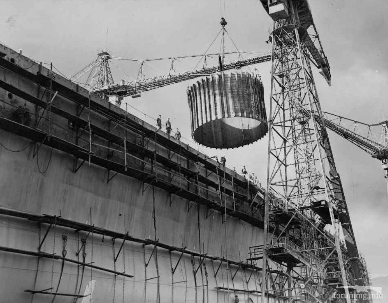124419 - Монтаж барбета на так и не достроенном линкоре Impero, октябрь 1939 г.