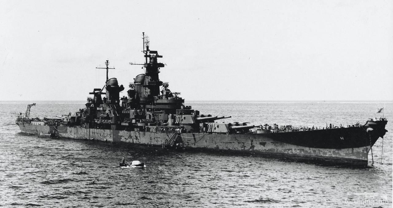 124421 - Линкор USS New Jersey (BB-62) на атолле Улити, февраля 1945 г.