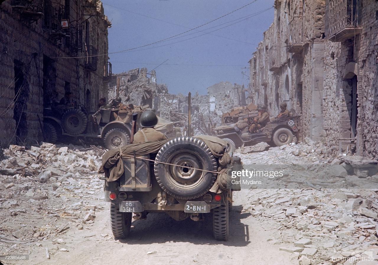 124546 - Военное фото 1939-1945 г.г. Западный фронт и Африка.