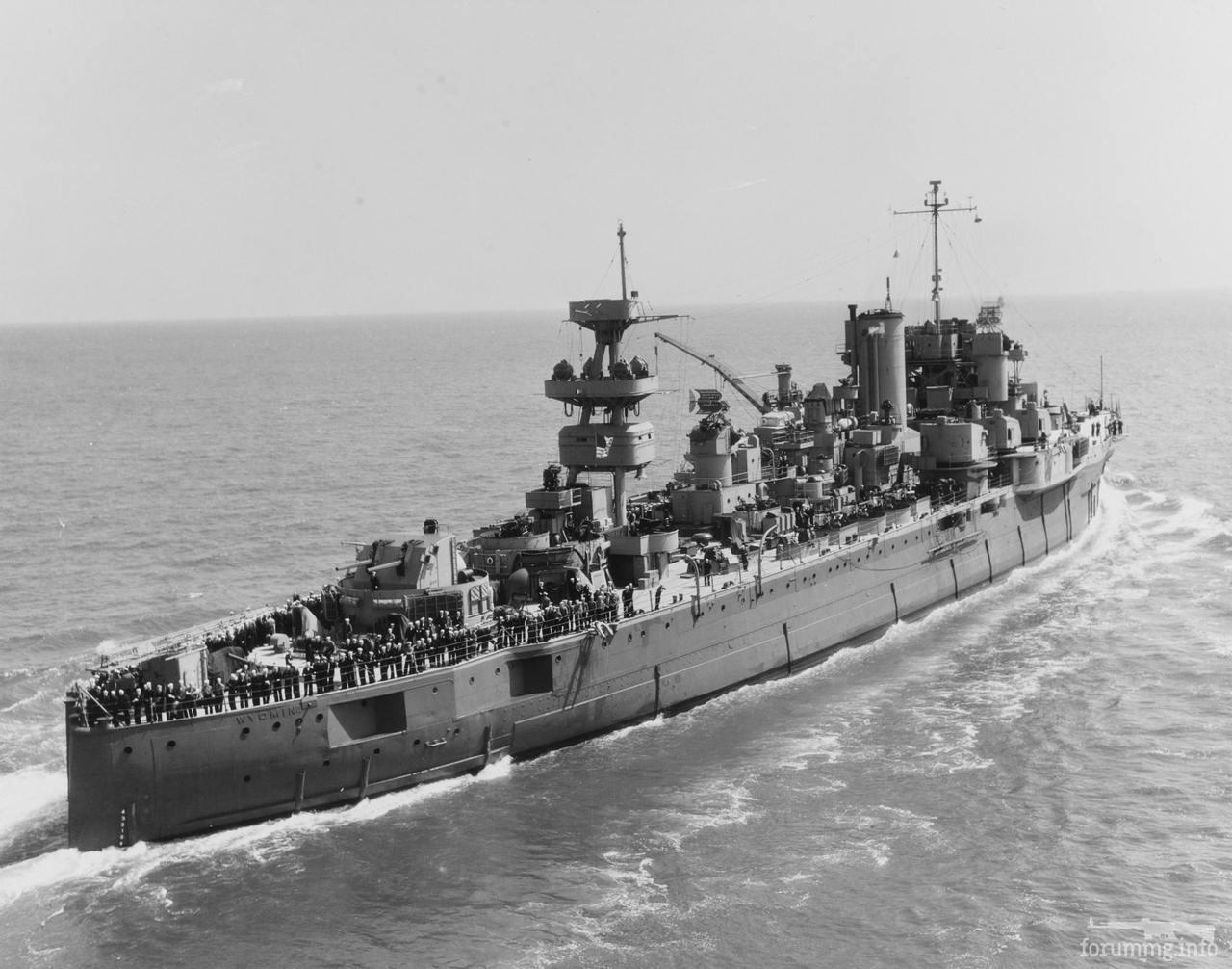 127588 - Частично разоруженный линкор USS Wyoming (BB-32) в качестве учебного корабля, апрель 1945 г.