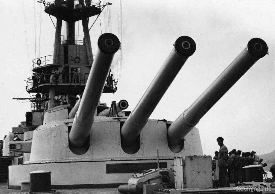 128225 - Кормовая башня главного калибра линкора Giulio Cesare после модернизации 1933-37 г.г.