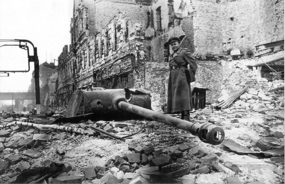 13142 - Русский герой обороны Берлина