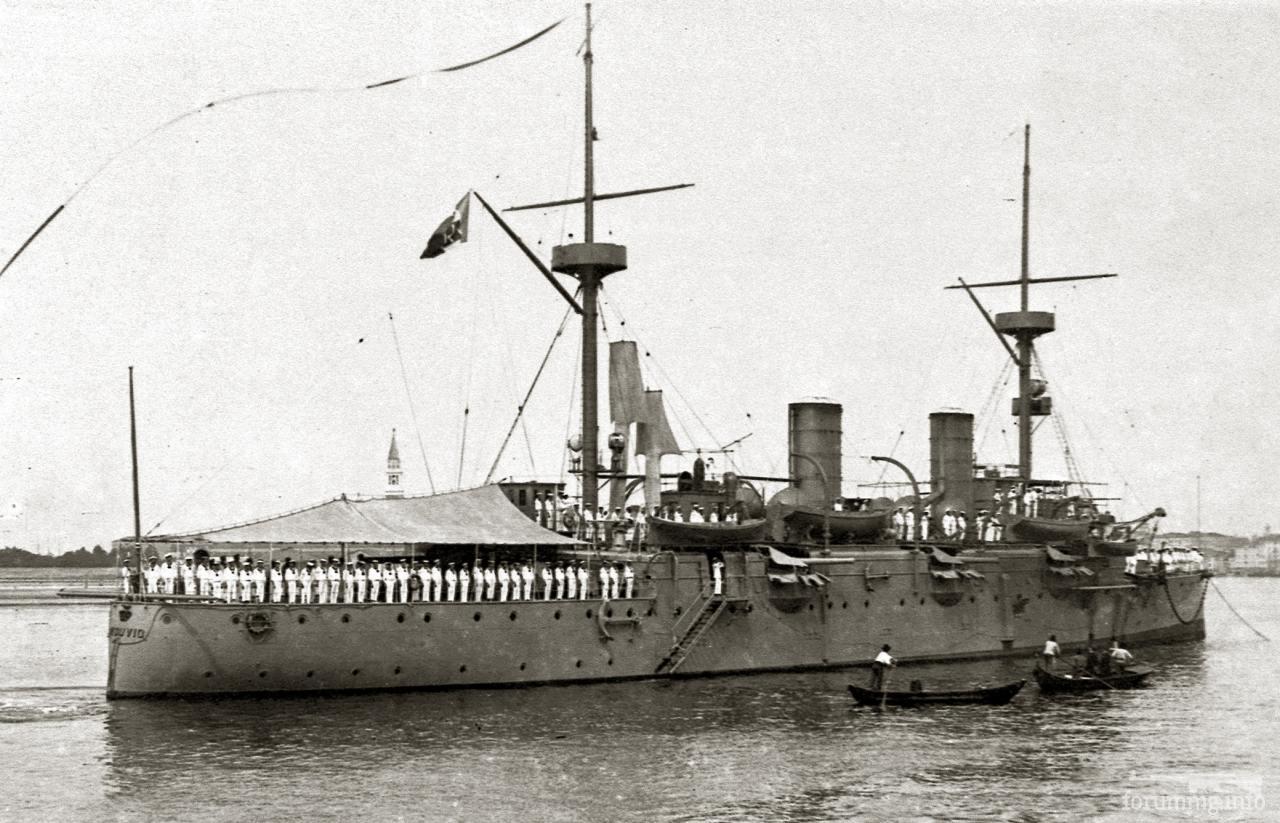 131435 - Бронепалубный крейсер Vesuvio