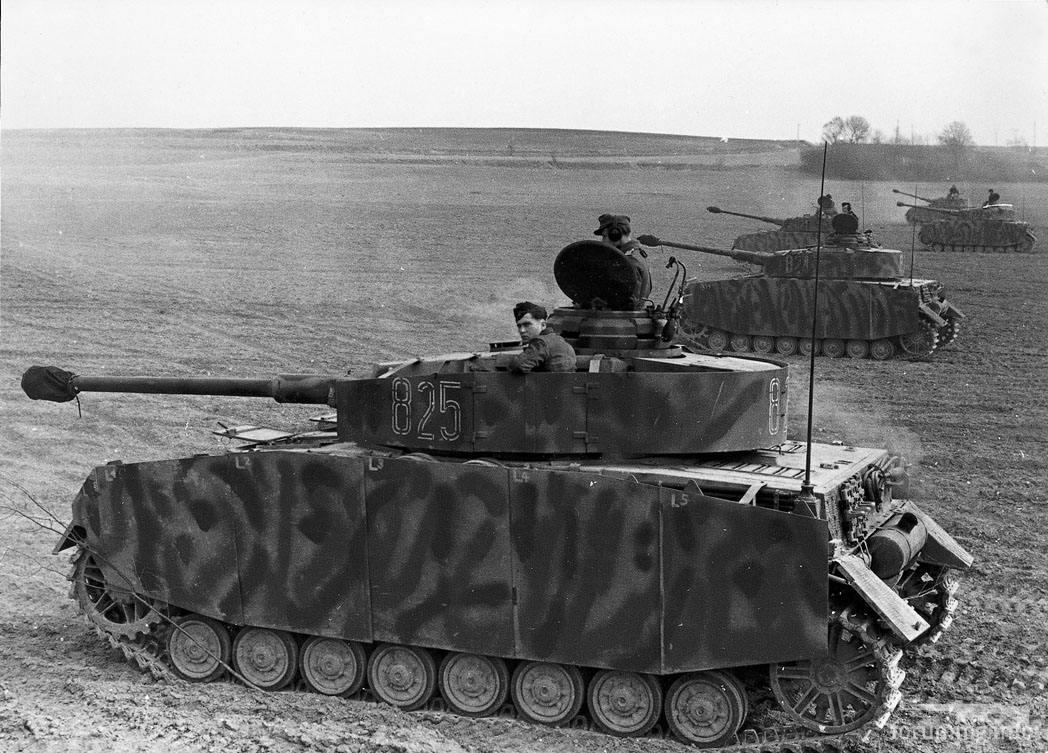 132270 - Achtung Panzer!