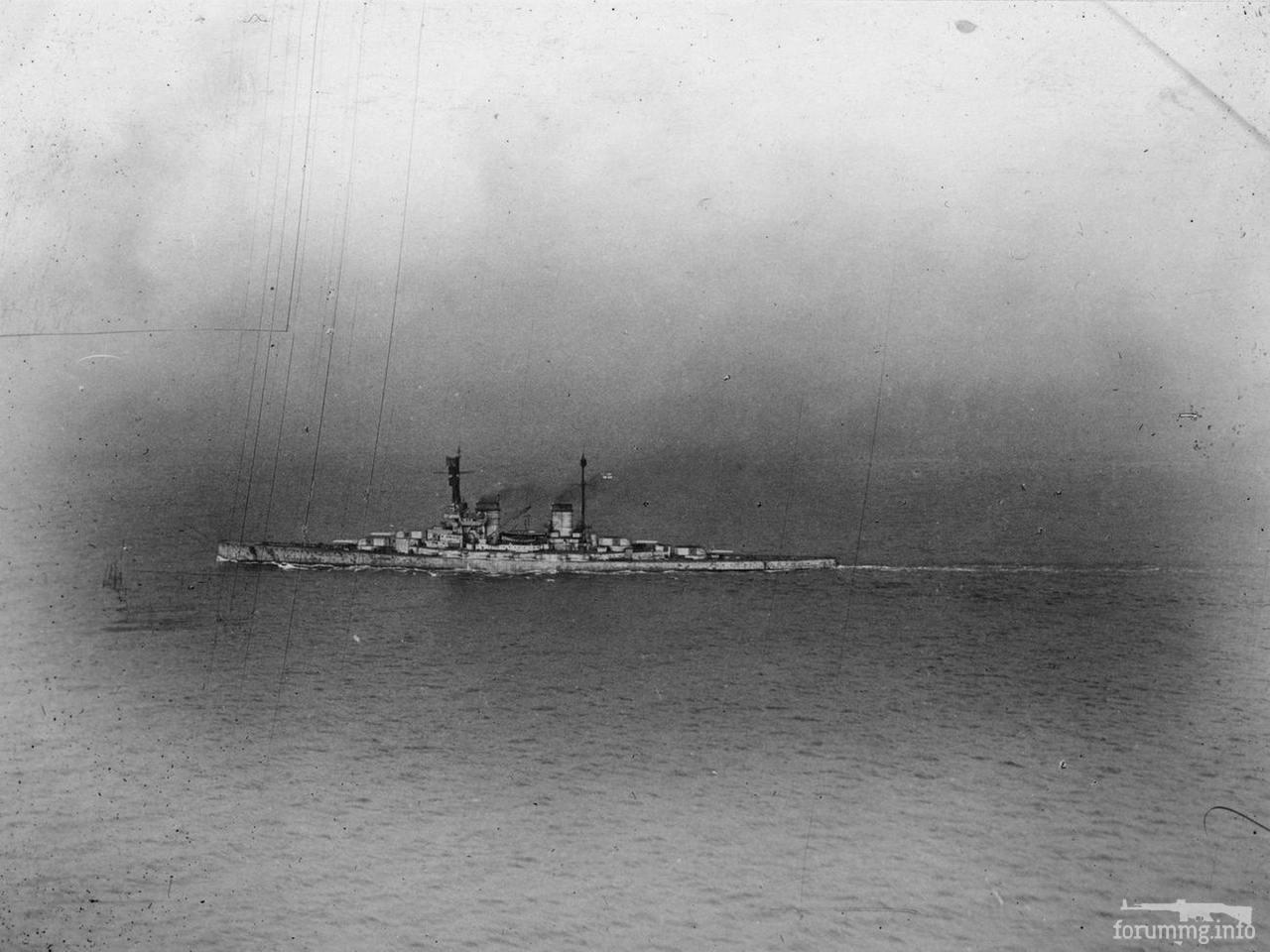 134250 - Линейный крейсер SMS Hindenburg идет в Британию, 1918 г.