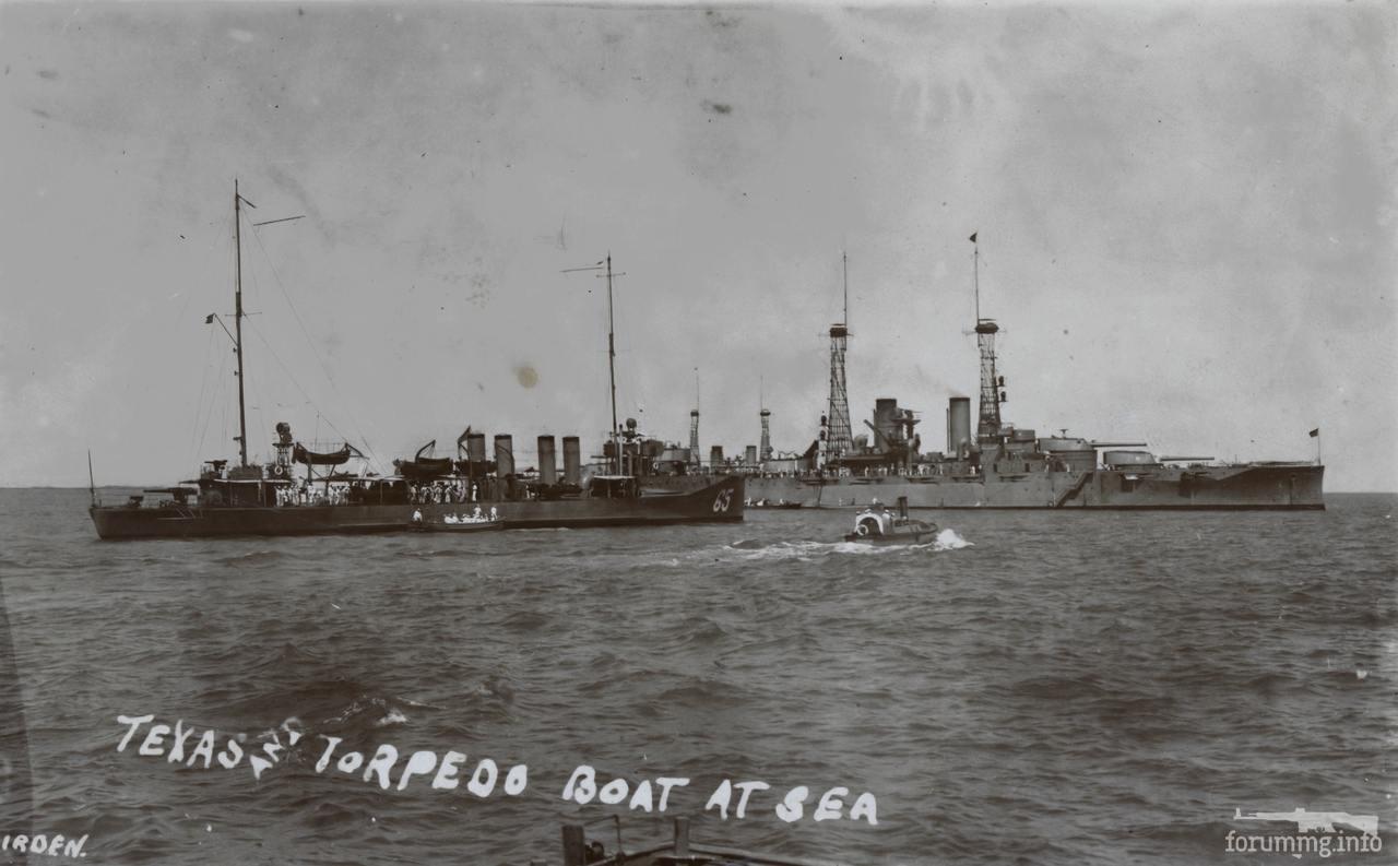 134520 - Линкор USS Texas (BB-35) и эсминец USS Davis (DD-65)